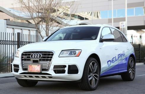 Автомобиль Google подрезал автомобиль Delphi