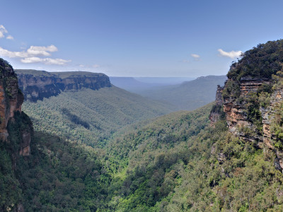 Первые жители Австралии  изображены на камнях