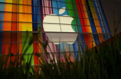 Apple позволит пользователям передавать деньги между iPhone