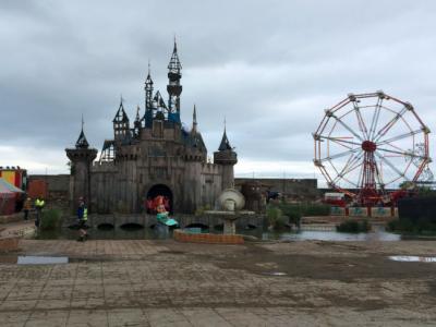Парк развлечений Бэнкси — Дисмаленд