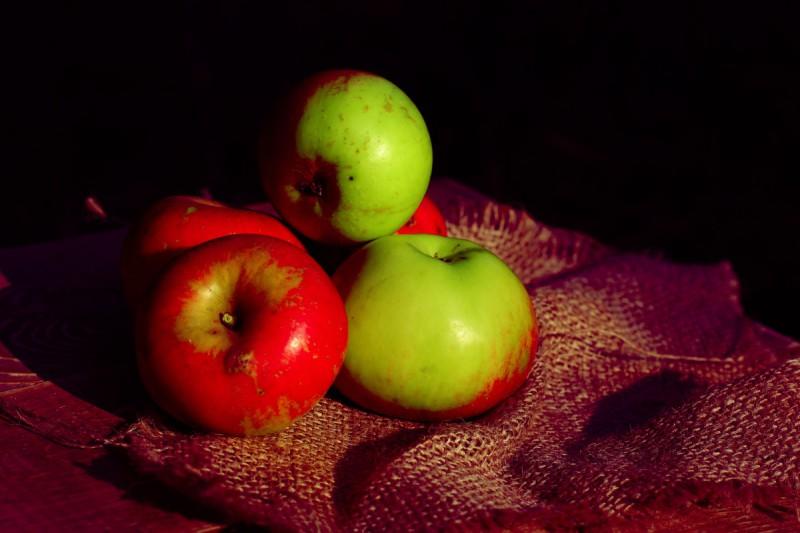 Старение мышц остановят яблоки