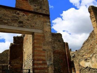 Гробница в Помпеях