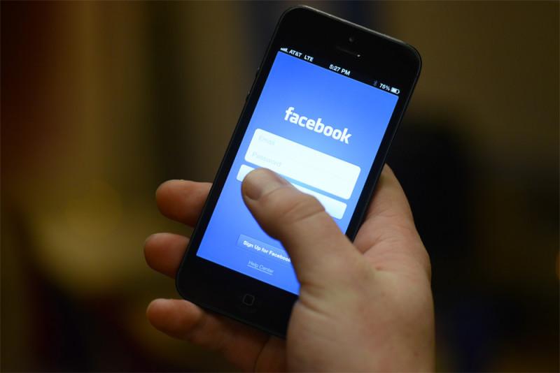 Facebook исправляет ошибки в работе своего приложения