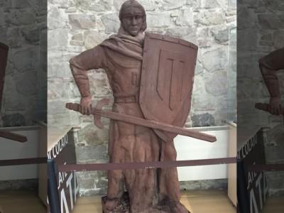 Шоколадная статуя