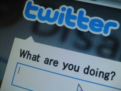 Twitter заработал