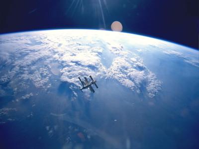 Космический аппарат с ядерным двигателем