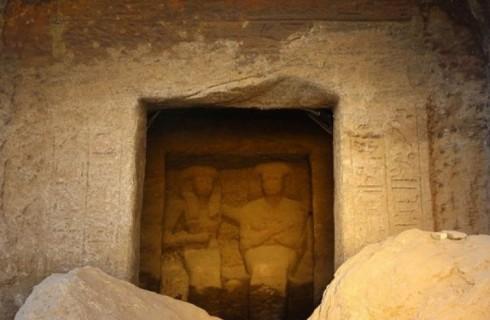 В Египте обнаружили ушастые статуи