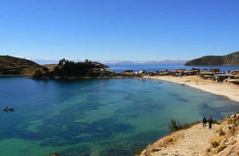 Перу и Боливия борются за озеро Титикака