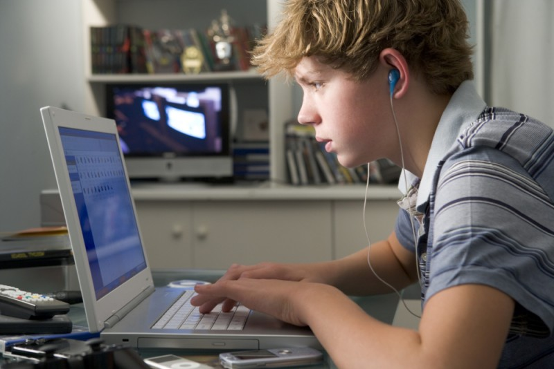 Здоровый сон отступает под натиском Интернета