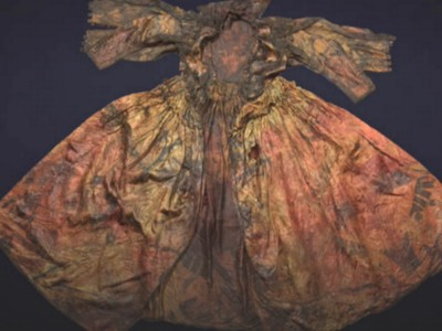 Шелковое платье XVII века