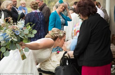 Столетие – не помеха для веселья на свадьбе