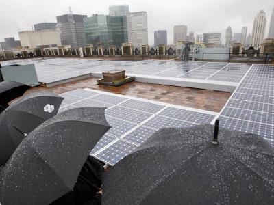 Солнечные батареи под дождем