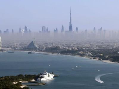 Искусственная гора в ОАЭ