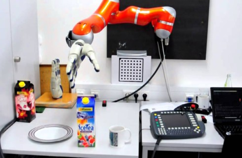 Ученые научили роботов чувствовать боль