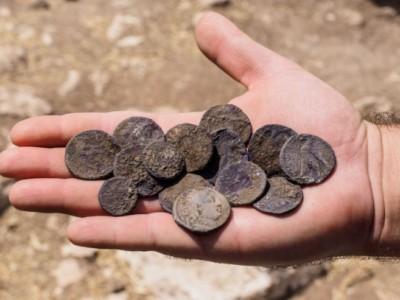 Тайник с монетами
