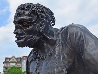 Статуя монстра Франкенштейна