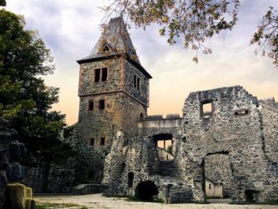 Экскурсии по следам Франкенштейна: замок Франкенштейна