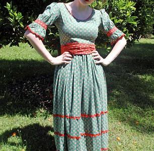Лалли Макбет в платье мамы