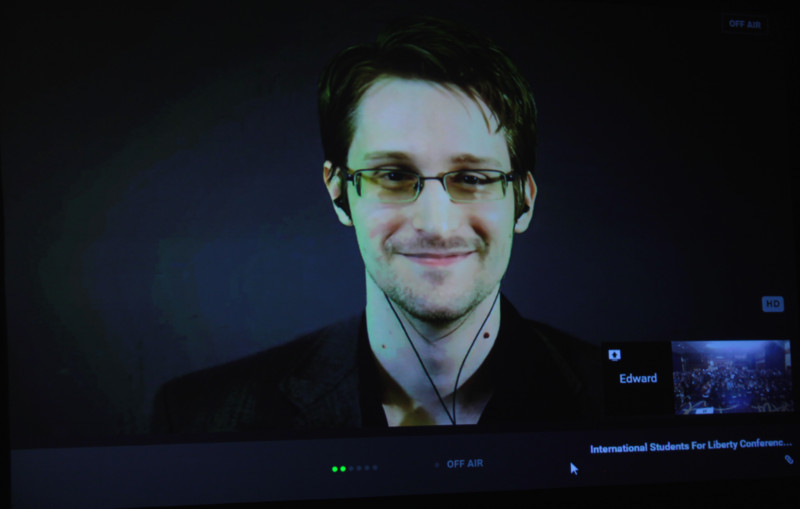 Сноуден сообщил японцам, что за ними следит США