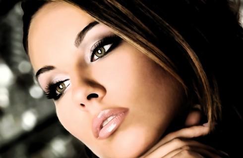 Какое влияние оказывает макияж на мужчин и женщин