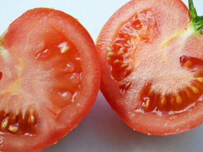 Продукты, защищающие от солнца: помидоры