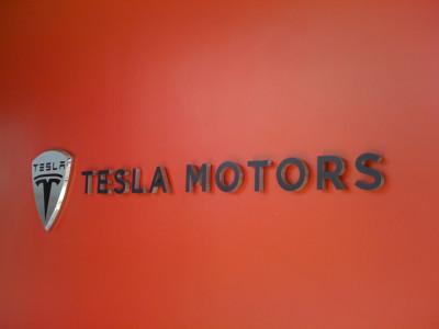 Солнечные батареи Tesla Motors