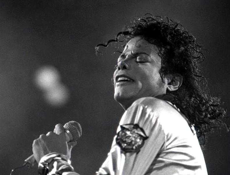 Майкл Джексон продолжает устанавливать рекорды