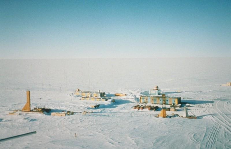 Подо льдами Антарктиды обнаружили внеземную жизнь