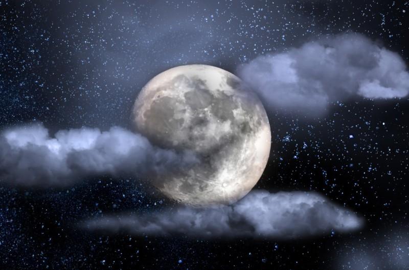Сотни новых кратеров появились на Луне