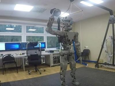 Русский робот Федор