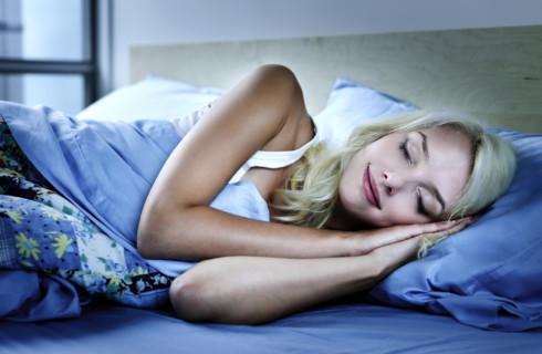 Ученые: женщина должна спать дольше мужчины