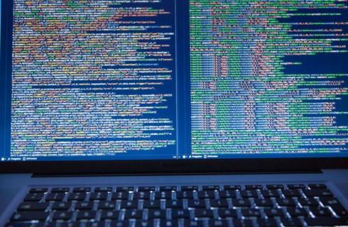 Twitter и PayPal пострадали от хакерской атаки
