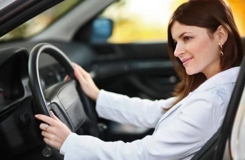 Женщины за рулем агрессивнее мужчин