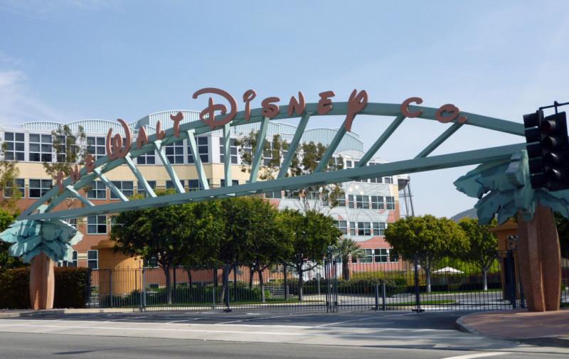В парках Disney начнут летать беспилотники