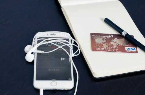 Еще несколько банков запустили сервис Apple Pay
