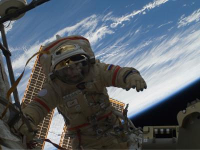 Съедобная пленка пригодится в космосе. Космонавт Олег Котов