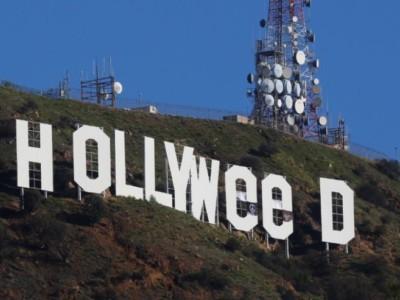Надпись Hollywood