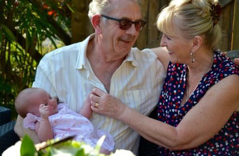 Испанка стала мамой в 64 года