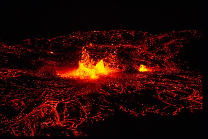 Пять активных вулканов, которые можно посетить в этом году