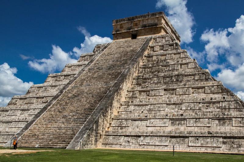 Почему погибли ацтеки?