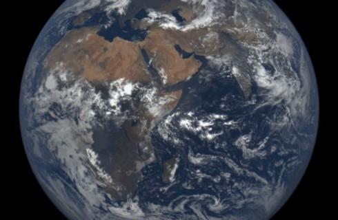 Япония окажется в центре Земли