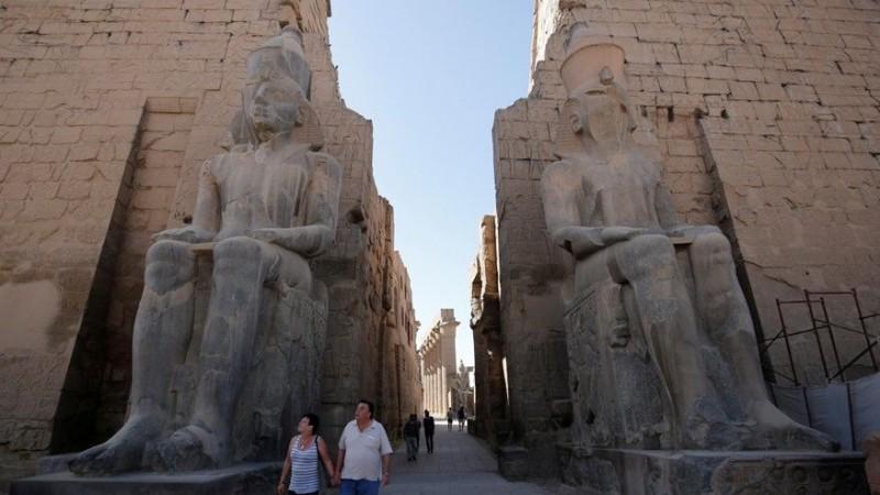 1000 статуй нашли в Луксоре