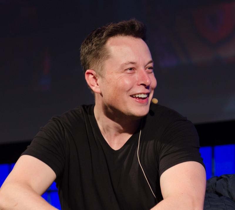 Илон Маск отправляет людей в туннели