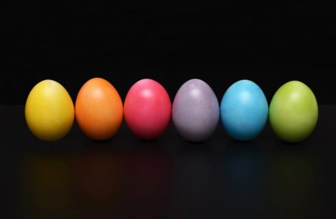 Пять лучших способов покрасить яйца на Пасху