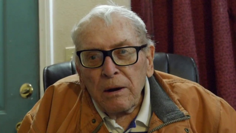 Помощь 89-летнему мужчине, оставшемуся на улице