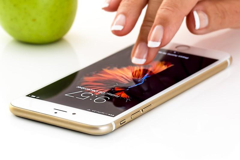 Стекло смартфонов сможет восстанавливаться само