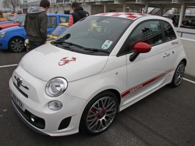 Бюджетные хэтчбеки: Fiat 500 Abarth