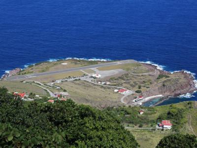 Экстремальных взлетно-посадочных полос много. Взлетно-посадочная полоса на острове Саба