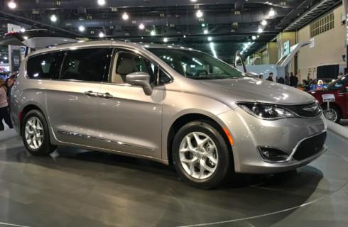 Chrysler Pacifica останется в России