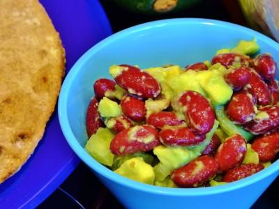 Фасоль с авокадо